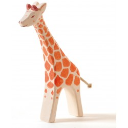Giraffe groß laufend